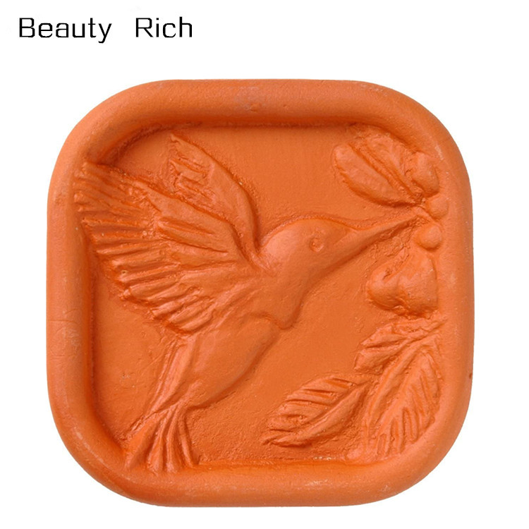 Customized Natural Clay Humidifying Stone Terracotta Brown Sugar Saver Hummingbird Terra Cotta Brown Sugar Saver
