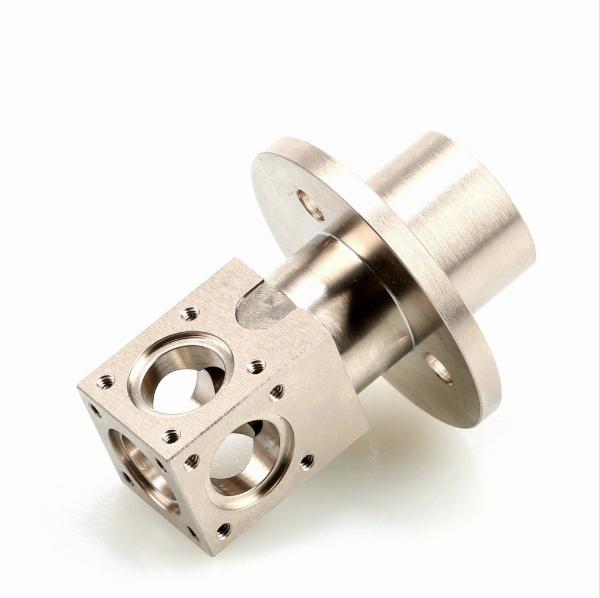 Пользовательская обработка с ЧПУ, запасные части для стиральной машины из нержавеющей стали и алюминиевого литья