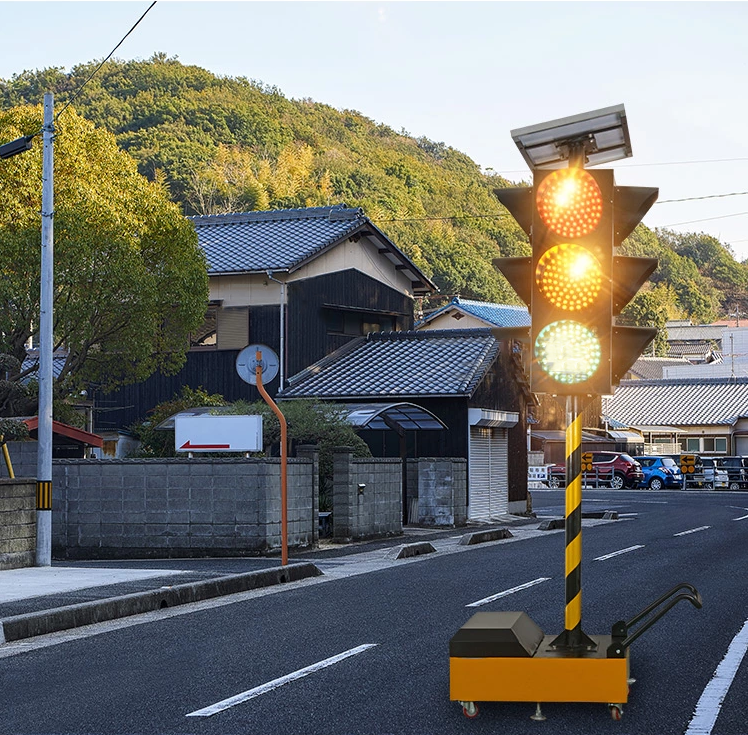 10 Years Factory High Quality Portable Remote Control LED Solar Traffic Signal Light