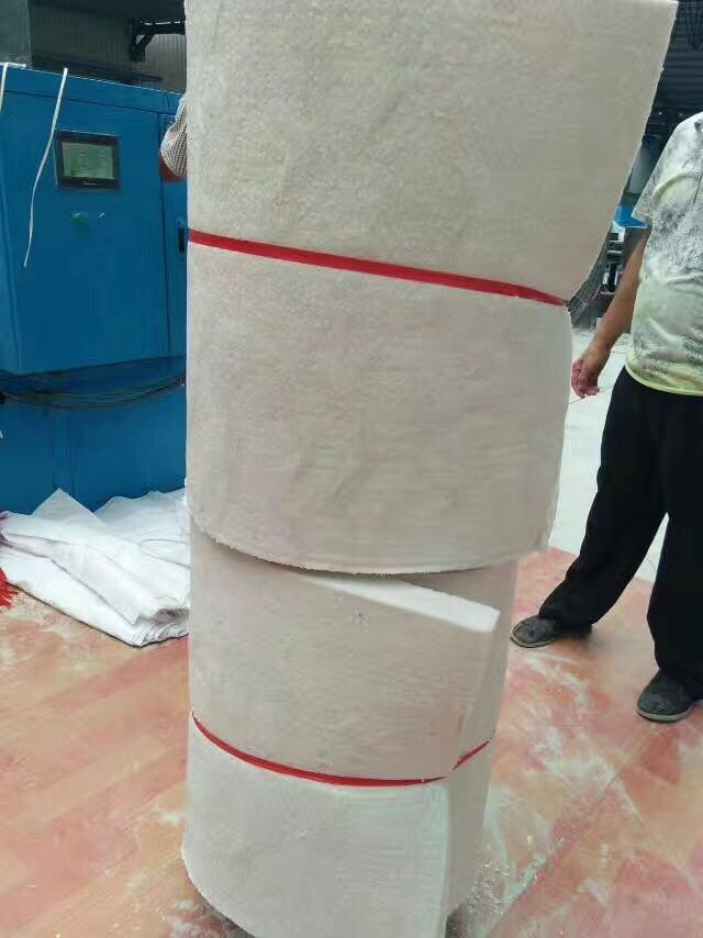 Refractory ceramic products with refractory insulation aluminum silicate ceramic fiber blanket