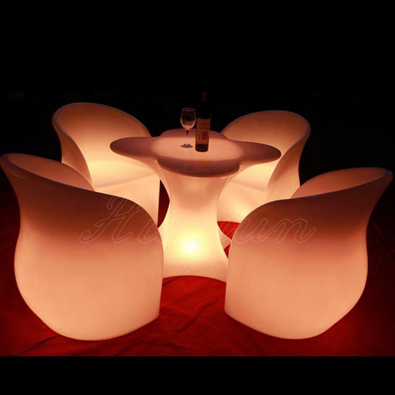 Перезаряжаемая пластиковая светодиодная мебель, водонепроницаемая цветная светодиодная мебель, 4 стула и 1 стол