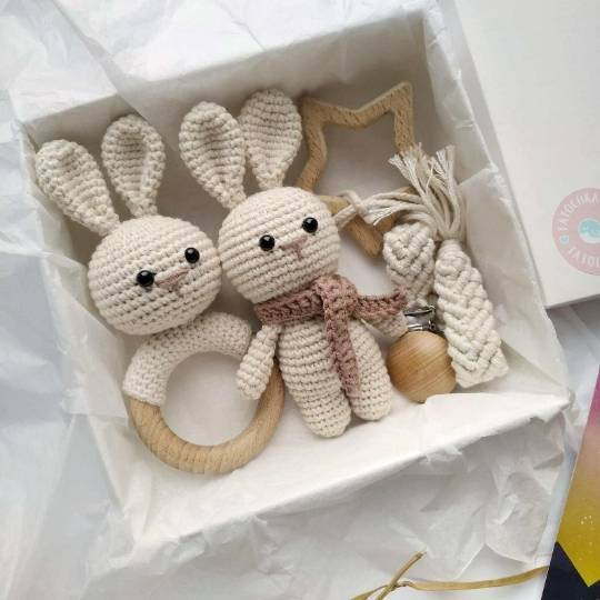 OEM Comprehensive promotion baby newborn wood teether rattle baby birth gift set