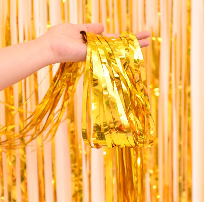 ODM 2MX1M Tinsel Fringe Curtain Window Door Background Shinning Party Decorations Colorful Metallic Foil Tinsel Curtain