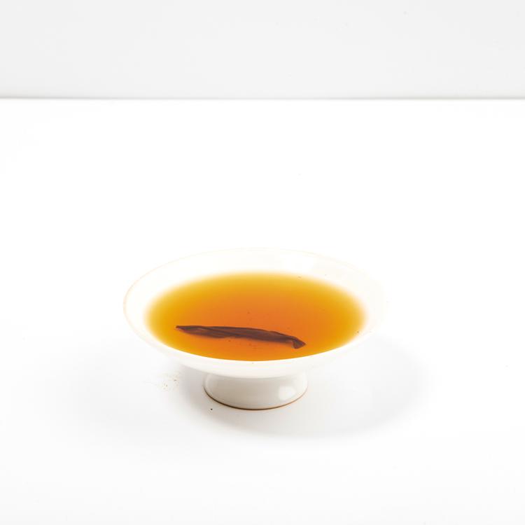 Trader organizers organic fresh sliming tea leaf cheap black tea bulk leaves - 4uTea   4uTea.com