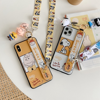 IVANHOE Cute Cartoon Snoopy Black TPU Soft Phone Case Cover for iPhone 11 pro XS MAX 8 7 6 6S Plus X XR Case