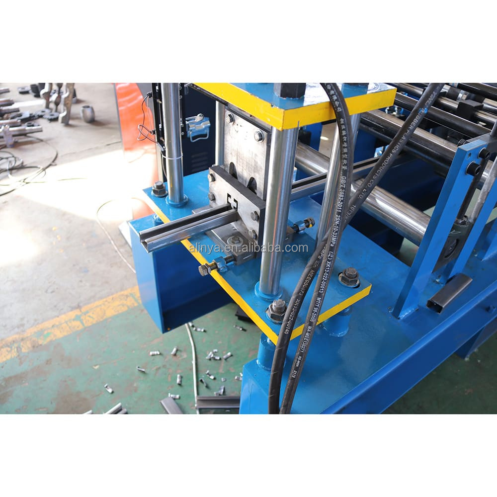 Promotional goods cz purlin roll forming machine