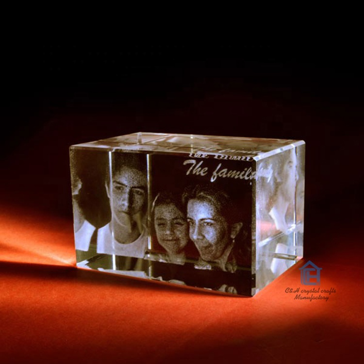 personalized custom 3d laser engraved glass cube photo frame 3d photo crystal cube for wedding favor /christmas gift