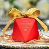 Rojo con oro pajarita