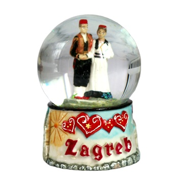 Handpainted seria bride and groom souvenir snow globes 2021 new promotion rest Christmas snow globes