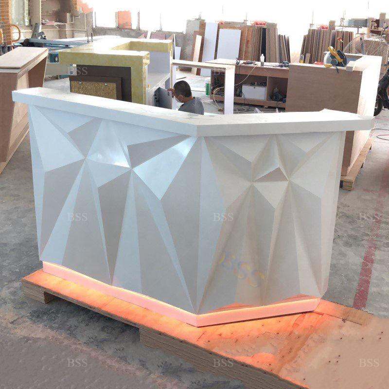 Оптовая продажа, маленькая белая бриллиантовая форма, современная твердая поверхность, столешница для ресторана