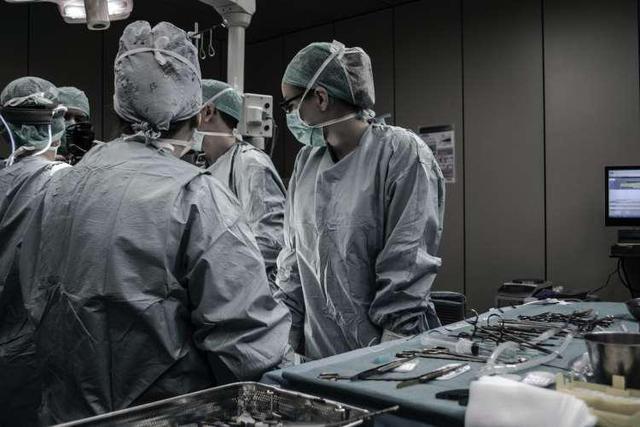 """""""做完缩胸手术,我终于敢挺胸抬头了"""""""