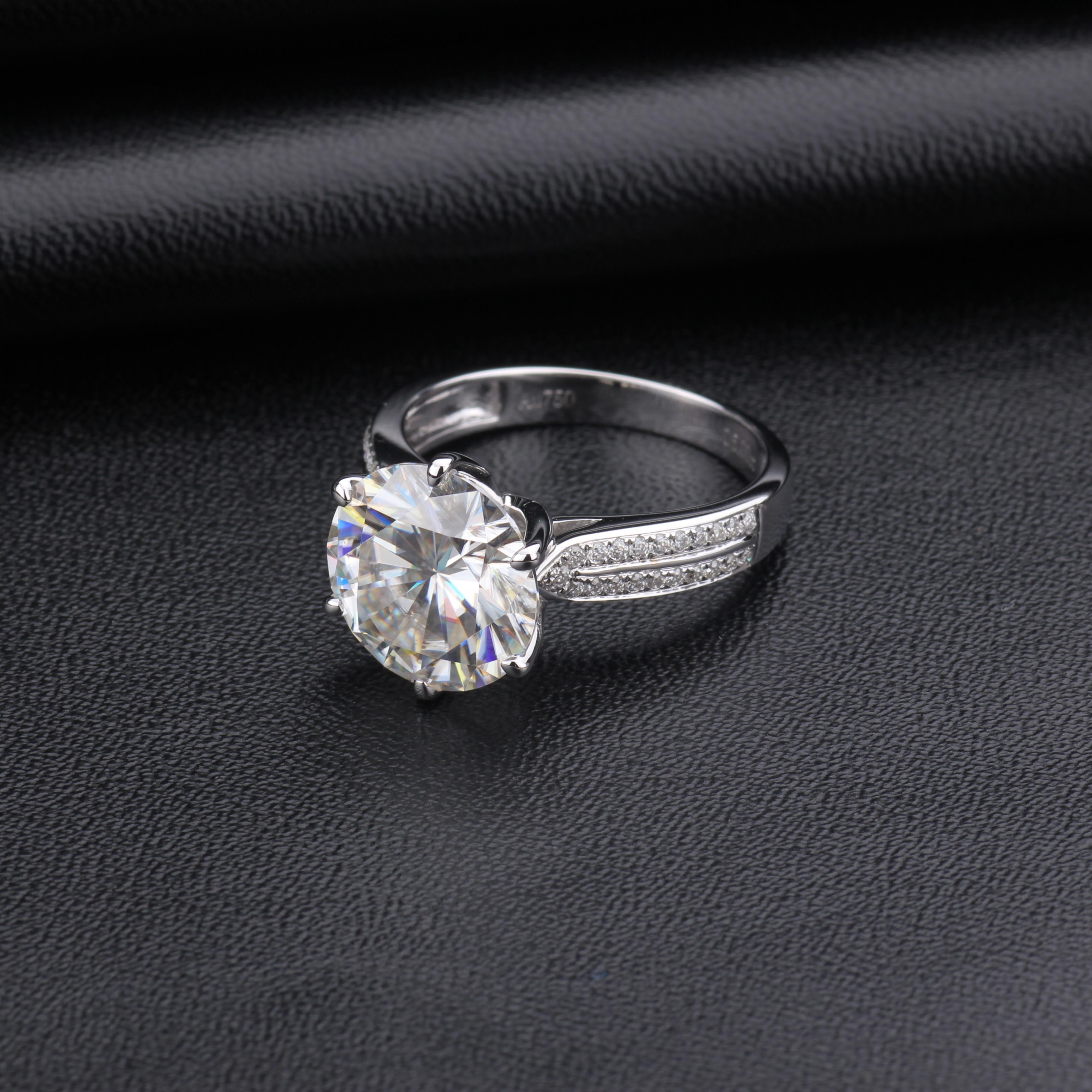 Обручальное кольцо из белого золота 18 К для круглого муассанита 2 карата