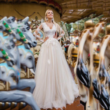 Свадебные платья трапециевидной формы с кружевной аппликацией и v-образным вырезом, Длинные свадебные платья с рукавами, свадебные платья п...(Китай)