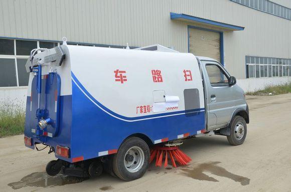 1500liter water tanker gasoline power sweeper 4x2 mini vacuum pump road sweeper supplier