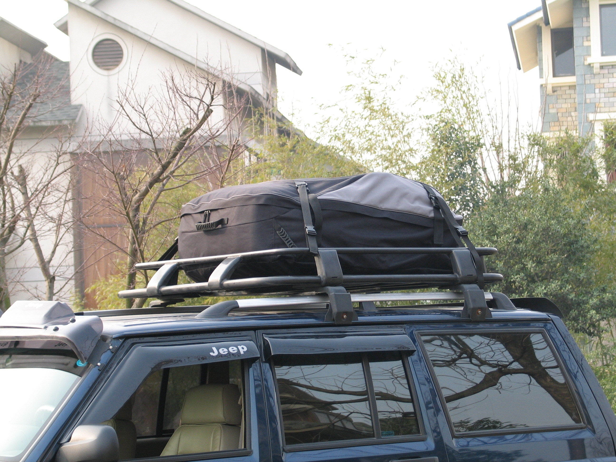 Waterproof Car Accessories Car Roof Top Cargo Bag Rack Carrier Travel Storage Box For Jeep SUV