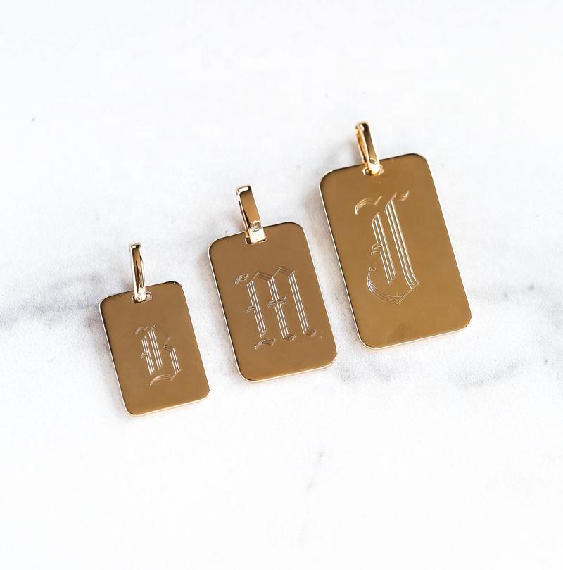 OEM ювелирная фабрика, металлические логотипы на заказ, гравировочные квадратные подвески, подвески с буквами A-z с буквами английского алфавита
