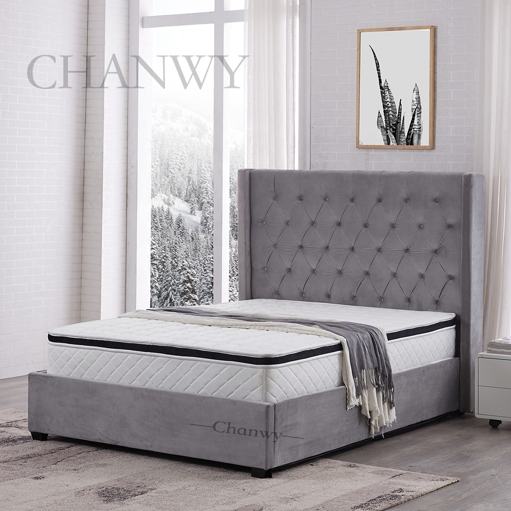 Classical Crystal Diamond Wingback Linen Button Tufted Chesterfield Upholstered velvet Fabric Bed