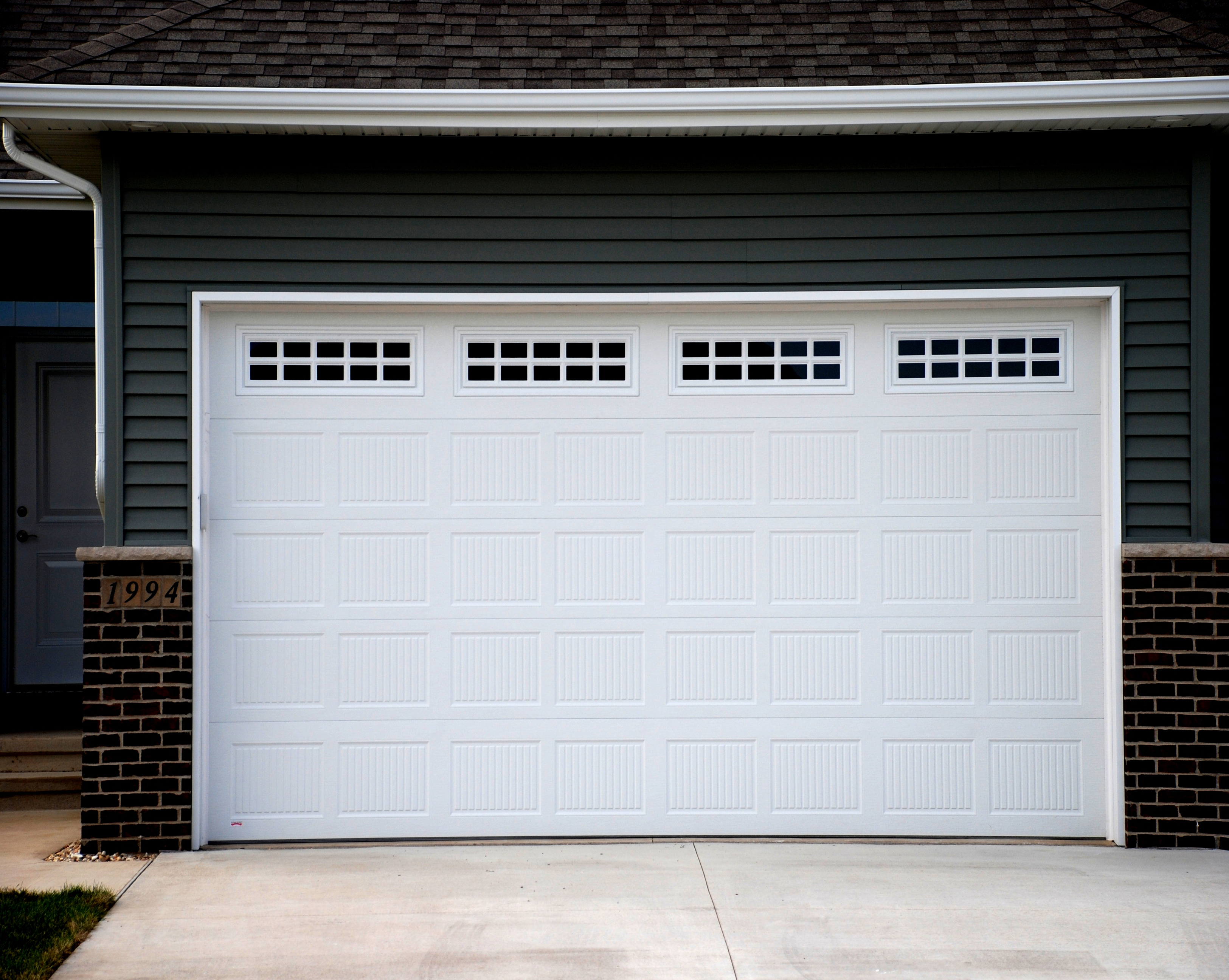 Luxury Polycarbonate Porte Puerta Seccional Wrought Iron 12x7 12x8 Automatic Insulated Sectional Garage Doors For Homes Buy Cheap Sectoral Garage Doors Manufacturer With Small Pedestrian Access Door Remote Control Electric Steel Material