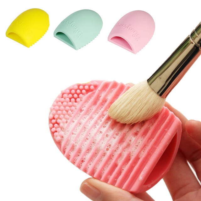 Washing makeup brushes