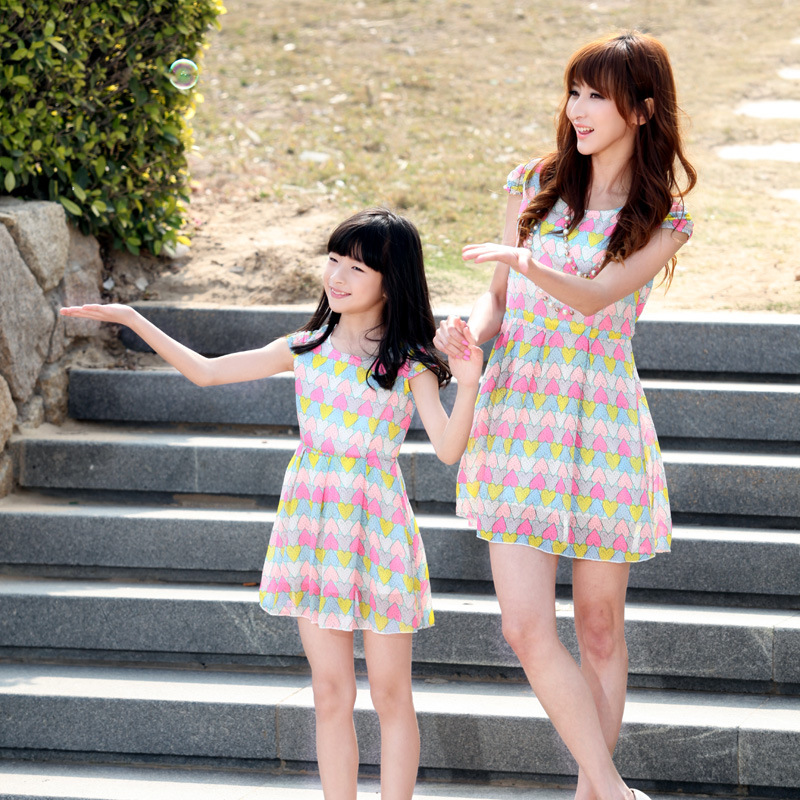 The European heart station children fashion and beach skirt dress 2015 Korean version of the new
