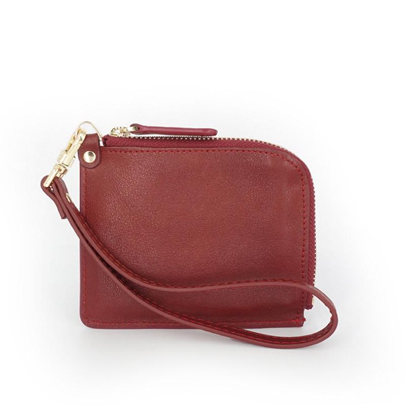 Женский кошелек на молнии с ремешком на руку из натуральной кожи