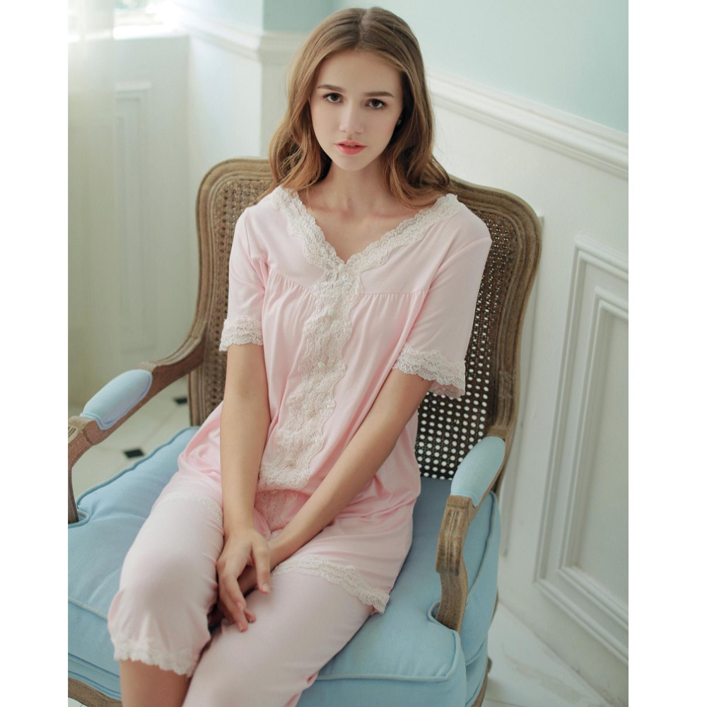 More Details Hanro Floris Short Sleeve Pajama Set Details Enjoy your evenings in these classic pajamas with a sophisticated look. Hanro