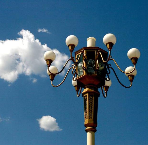 Custom galvanized steel high mast flood lighting pole
