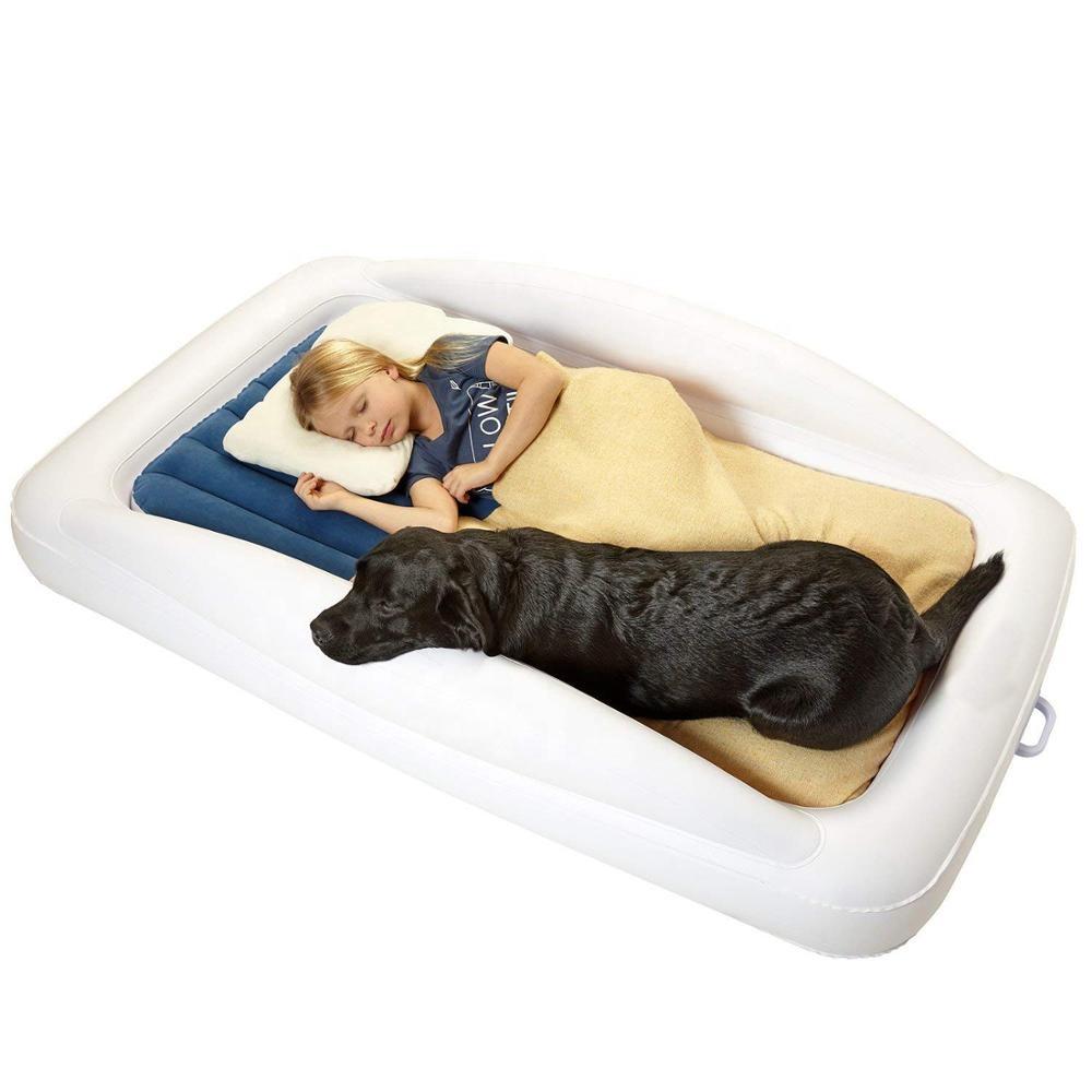 Надувная дорожная кровать для малышей с защитными бамперами