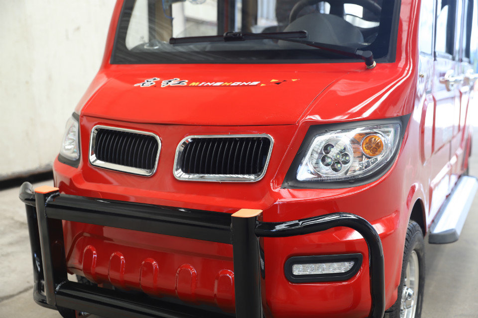 MINGHONG Электрический новый солнечный мини-автомобиль для взрослых четырехколесный e-рикша с 6 пассажирскими сидениями