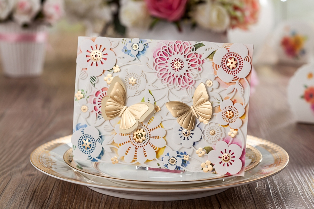 Cheap Butterfly Wedding Invitations: Laser Cut Wedding Invitations Kits Elegant Floral Paper