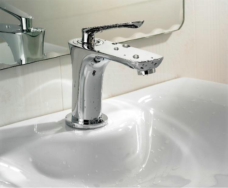 7 Faucet Finishes For Fabulous Bathrooms: Bathroom Sink Faucet Basin Mixer Tap Chrome Finish Brass