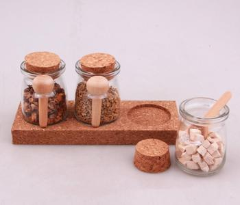 wholesale popular pudding glass spice jar set with cork and wooden spoon in cork tray