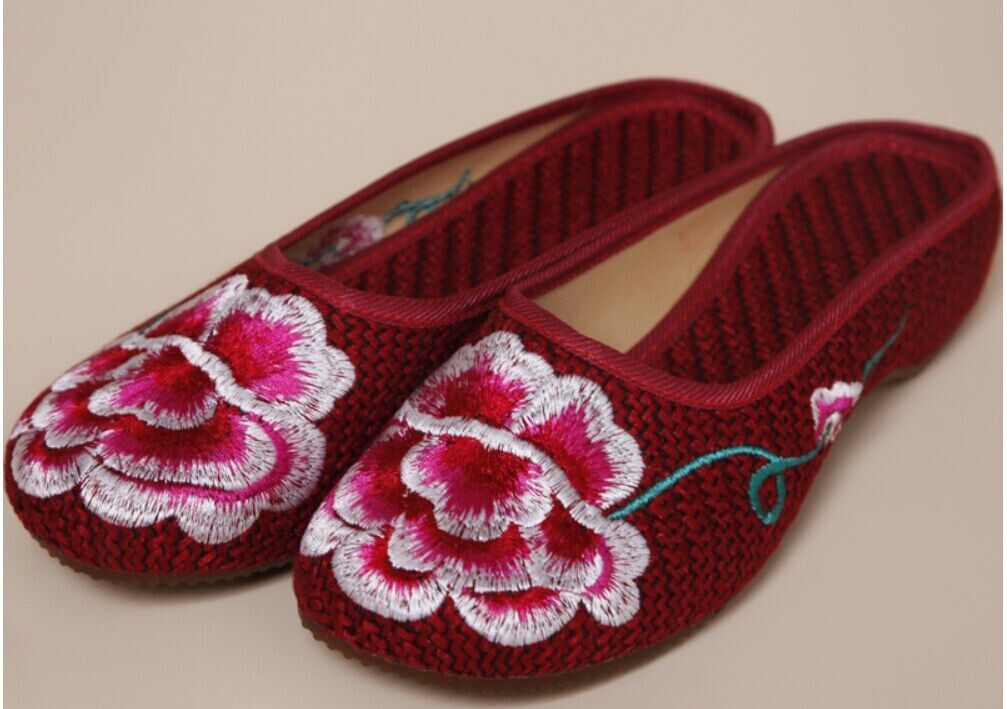The Chinese Style Sandals Slippers Embroidered Bag Mail