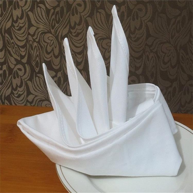 Небольшое количество приветствуется белая салфетка из 100% хлопка для столов в отеле