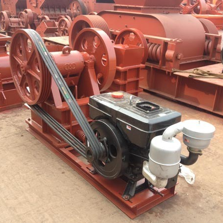 hot and reliable jaw crusher ,stone crusherwith diesel engine