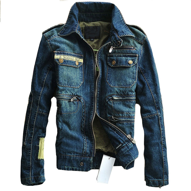 By now, you're probably aware of the fact that a good denim jacket is an essential for any man's wardrobe. It can be worn as a layering piece or on its own.