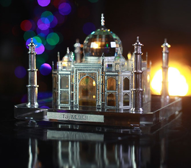 Silver Gifts For Indian Wedding: Indian Wedding Return Gift Crystal Silver Taj Mahal Model