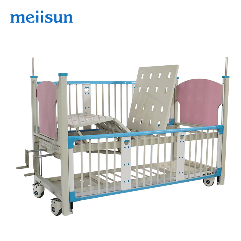 BCA-004Latest adjustable hospital foldable baby cot bed
