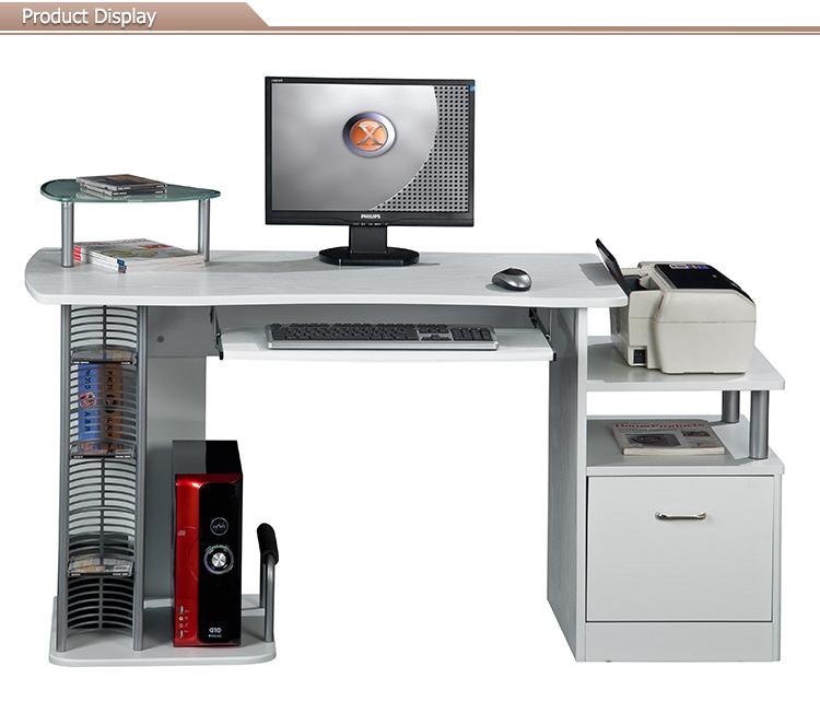 Ikea tipo di mobili per ufficio tavolo computer con armadi for Mobili per computer