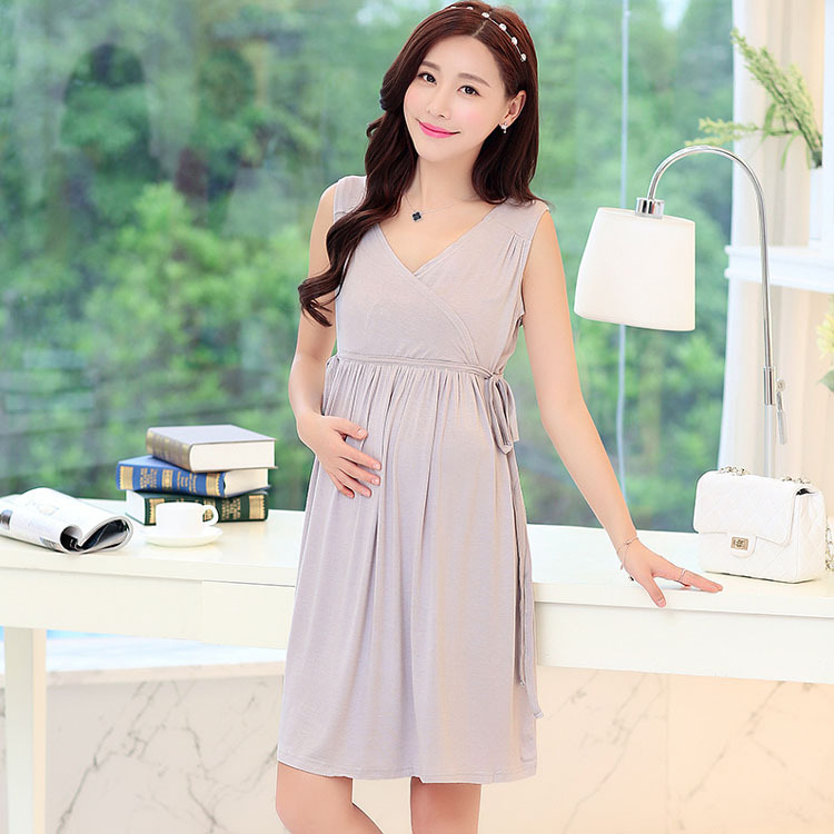 Maternity Dresses For Every Occassion. Expecting mothers can all agree that a good maternity dress is an essential to a comfortable maternity wardrobe. Here, you can search cute maternity dresses for every occasion! That way, you know you will always have something stylish and comfortable wherever you go.