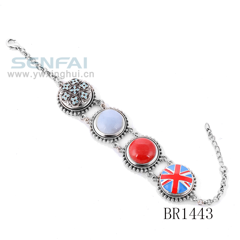 UK Flag Tapper Fastener Button Bracelet with Silver Chain and Enamel Snap Buttons Bracelet