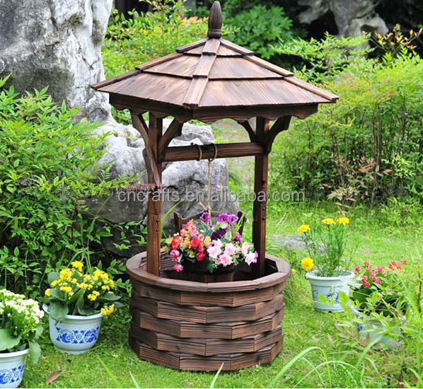 Decorative Wooden Wishing Well / Garden Wishing Well