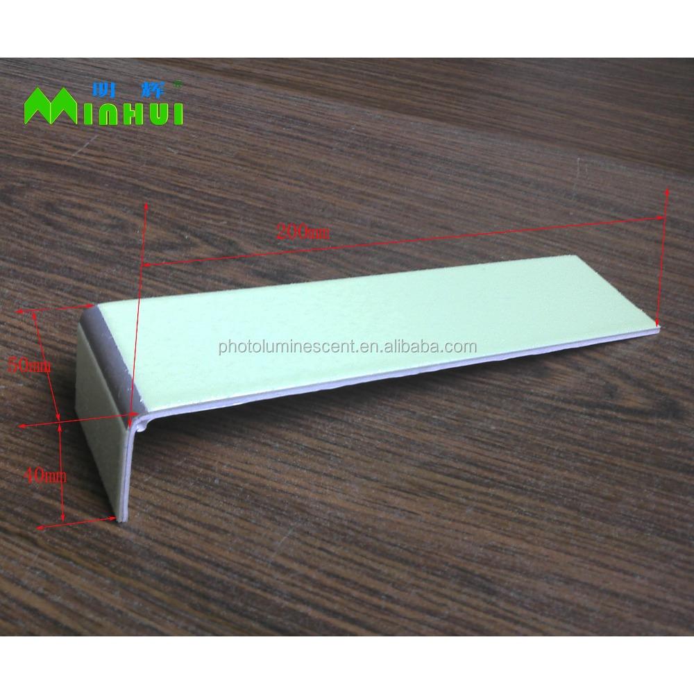 Светящаяся L-образная алюминиевая противоскользящая лестничная граница