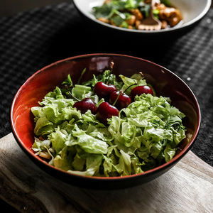 Restaurant creative handmade round ceramic vegetable salad bowl