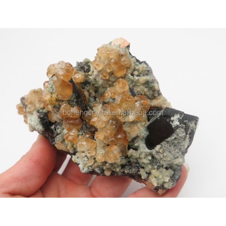 Wholesale natural garnet specimens crystal cluster stone for sale