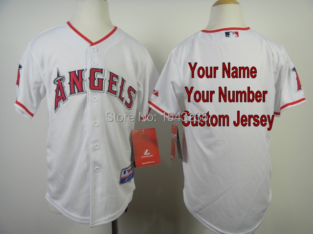 While trying to find jerseys that feature your favorite teams or vintage collectibles to add to your baseball memorabilia collection, you can save time by heading to eBay and browsing the massive baseball jersey collection available right now.