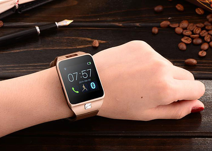 Learn about gestures that control your apple watch and about the apps that you can use.