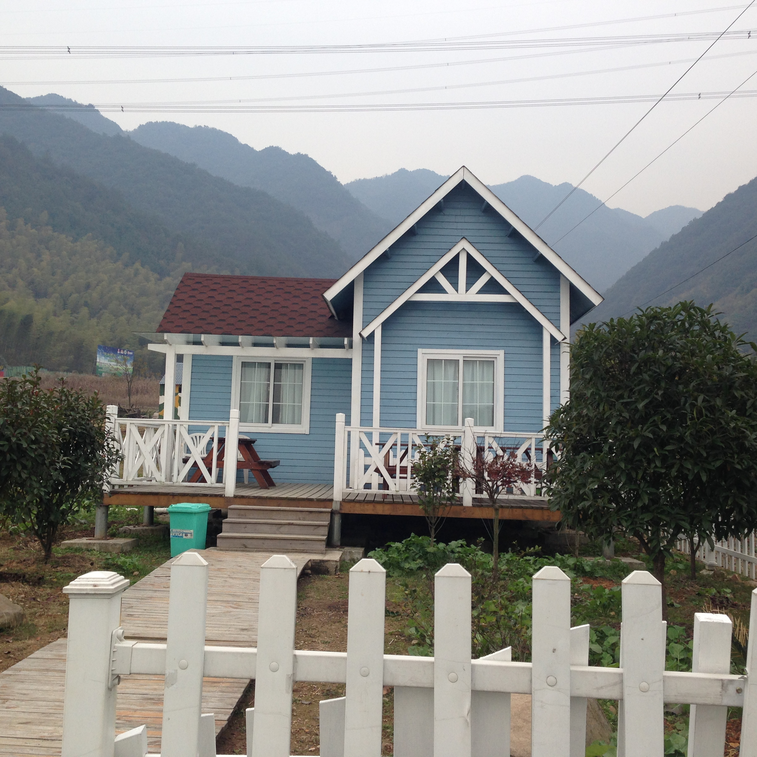Log wooden cottage prefabricated villa houses for rural living with Taizhou original