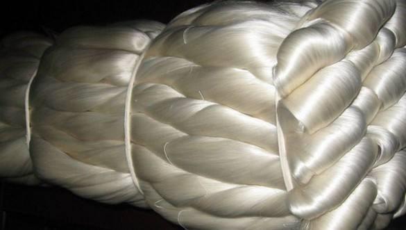 Mulberry Raw Silk Yarn 40/44, 3A, 4A, 5A Grade in hanks