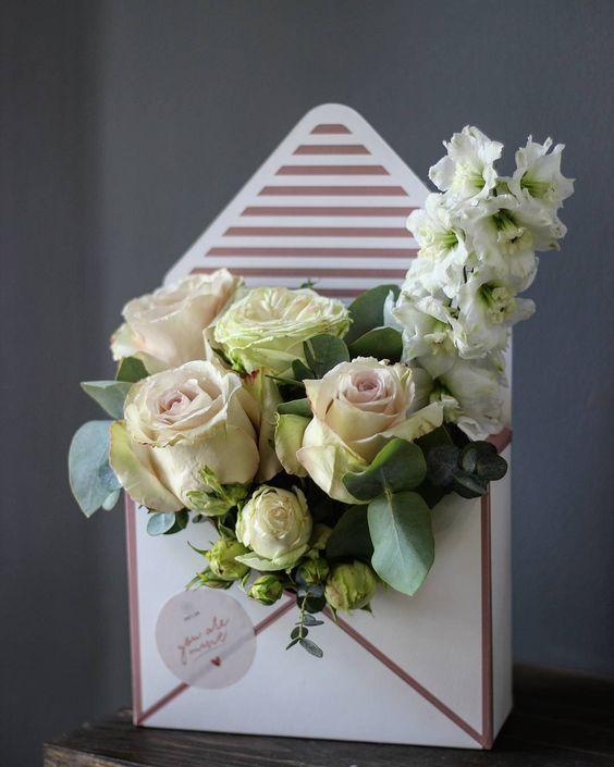 Оптовая продажа, бумажная Цветочная коробка в форме конверта, упаковочная коробка для цветов